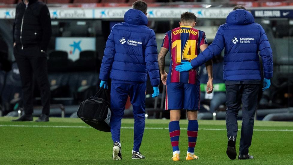 ثورة مرتقبة في برشلونة ضد 14 لاعبًا